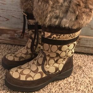 Women's COACH fur/snakeskin boots Sz 6
